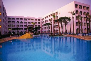 piscina del hotel playacartaya