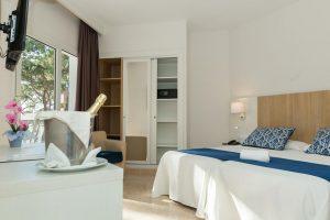 Hotel con toboganes en málaga