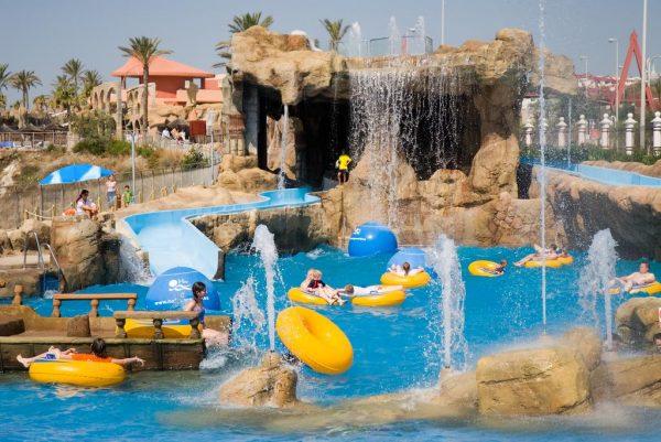 Hoteles con toboganes en andaluc a precios para el 2018 for Hoteles en granada con piscina climatizada