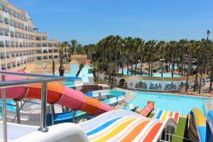 hoteles con toboganes almeria