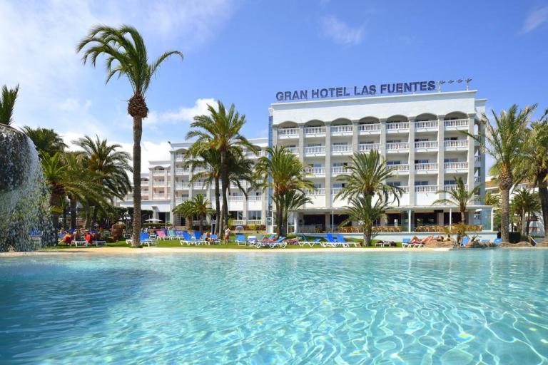 Espectacular hotel con toboganes para niños en Alcocéber. en Castellón