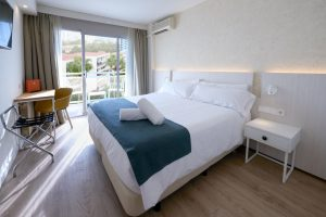 tranquilo hotel con toboganes en Benalmádena