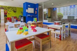 buen hotel con toboganes para niños en Benalmádena