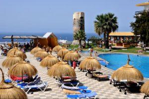 divertido hotel con toboganes en Salobreña