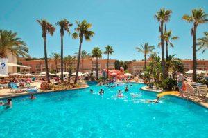 buen hotel con toboganes en Mallorca