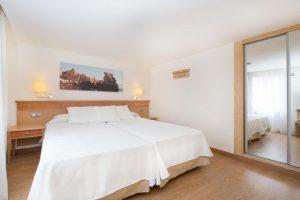 excelente hotel con toboganes en Sa Barca