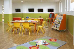 buen hotel con toboganes para niños en Castellón