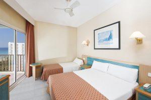 excelente hotel con piscina infantil en Menorca