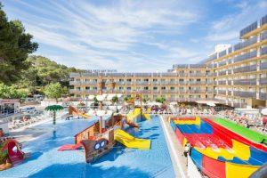 Hoteles con toboganes en Cataluña