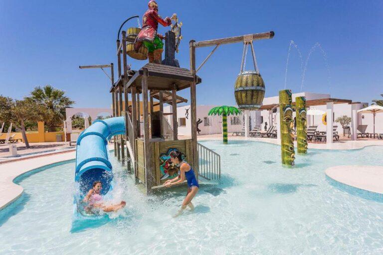 Hoteles con toboganes para niños en Ibiza