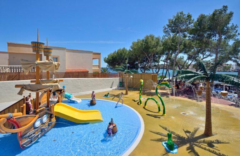 Hoteles con toboganes en la zona de Ibiza