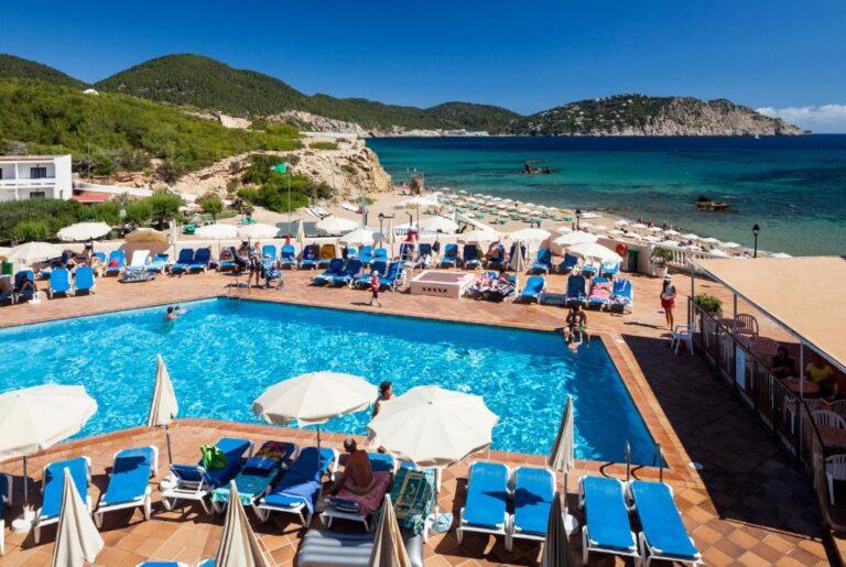 Hoteles con toboganes en la costa deIbiza