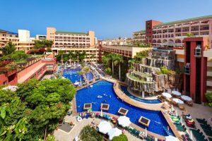 hotel con entretenimiento infantil en Playa Fañabe